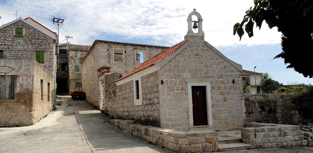 Biograd Vrgada dvorac Damiani